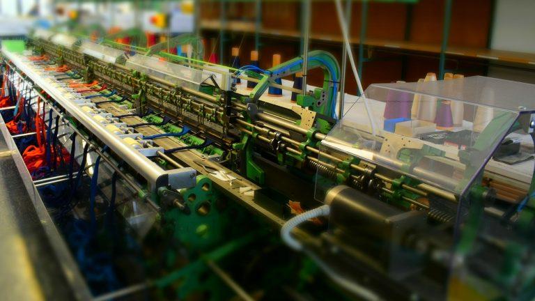Strickmaschine-Großaufnahme-Effekt-Miniatur-16-9
